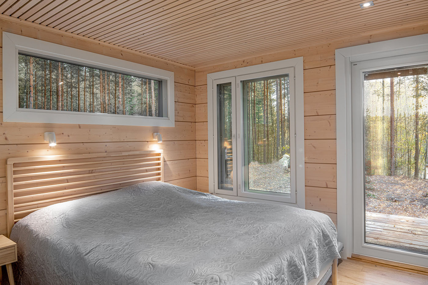Master bedroom downstairs. Iniö 100.
